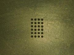 微小孔加工  :孔径 表530μm 裏420μm