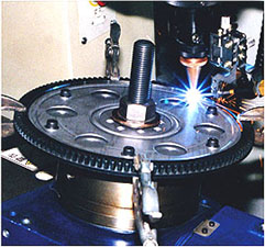 Filler wire supply laser welding by NC turn table